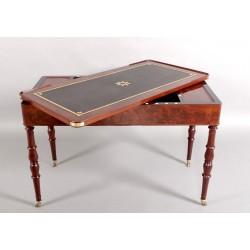Период реставрации Три-трак стол
