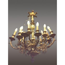Большая люстра в стиле Людовика XVI