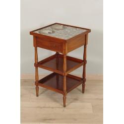 Обеденный стол в стиле каталога