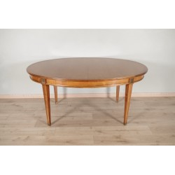 Обеденный стол в стиле диретуар
